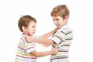 Lee más sobre el artículo Cómo enseñar a tu hijo a no pegar