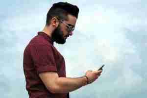 Lee más sobre el artículo Por qué hay personas que lo publican todo en redes sociales