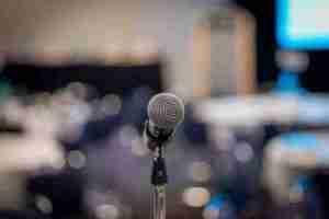Lee más sobre el artículo Cómo perder el miedo a hablar en público