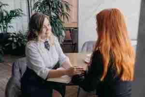 Lee más sobre el artículo Por qué es distinto hablar con un psicólogo que hablar con un amigo